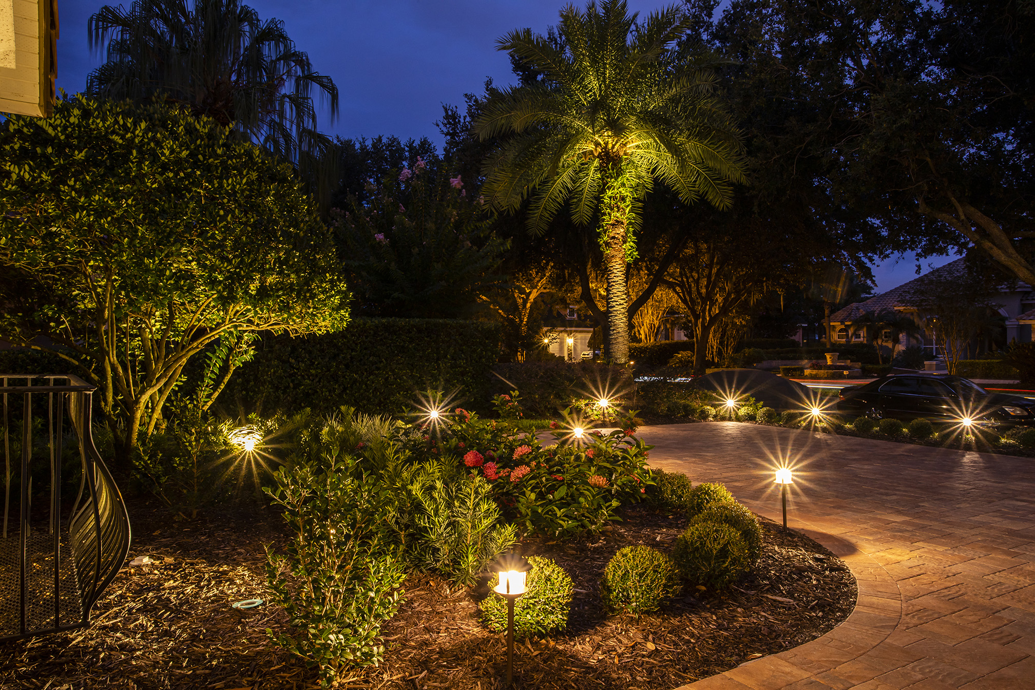 Landscaping lighting for a pathway