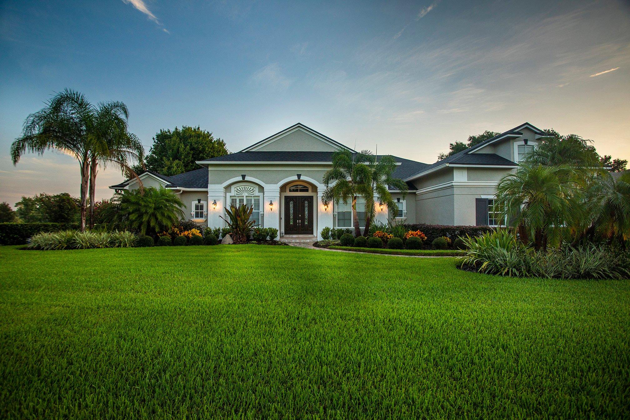 Beautiful lawn in Orlando Florida with healthy sod