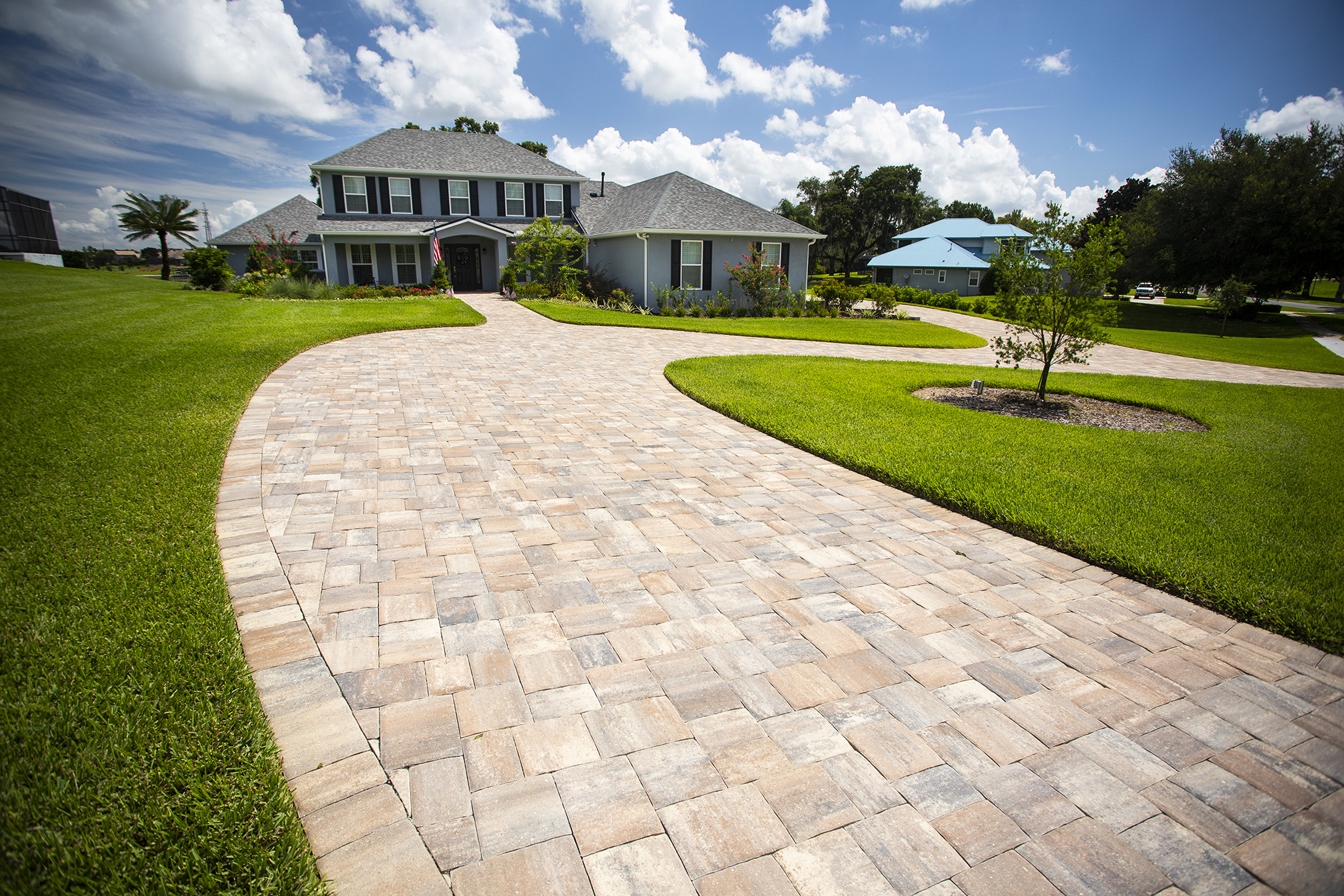 driveway made with pavers in Orlando, Florida