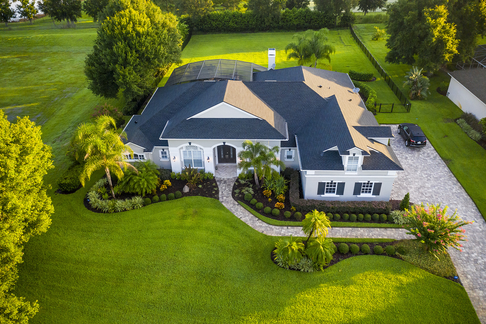House with nice landscaping in Orlando Florida