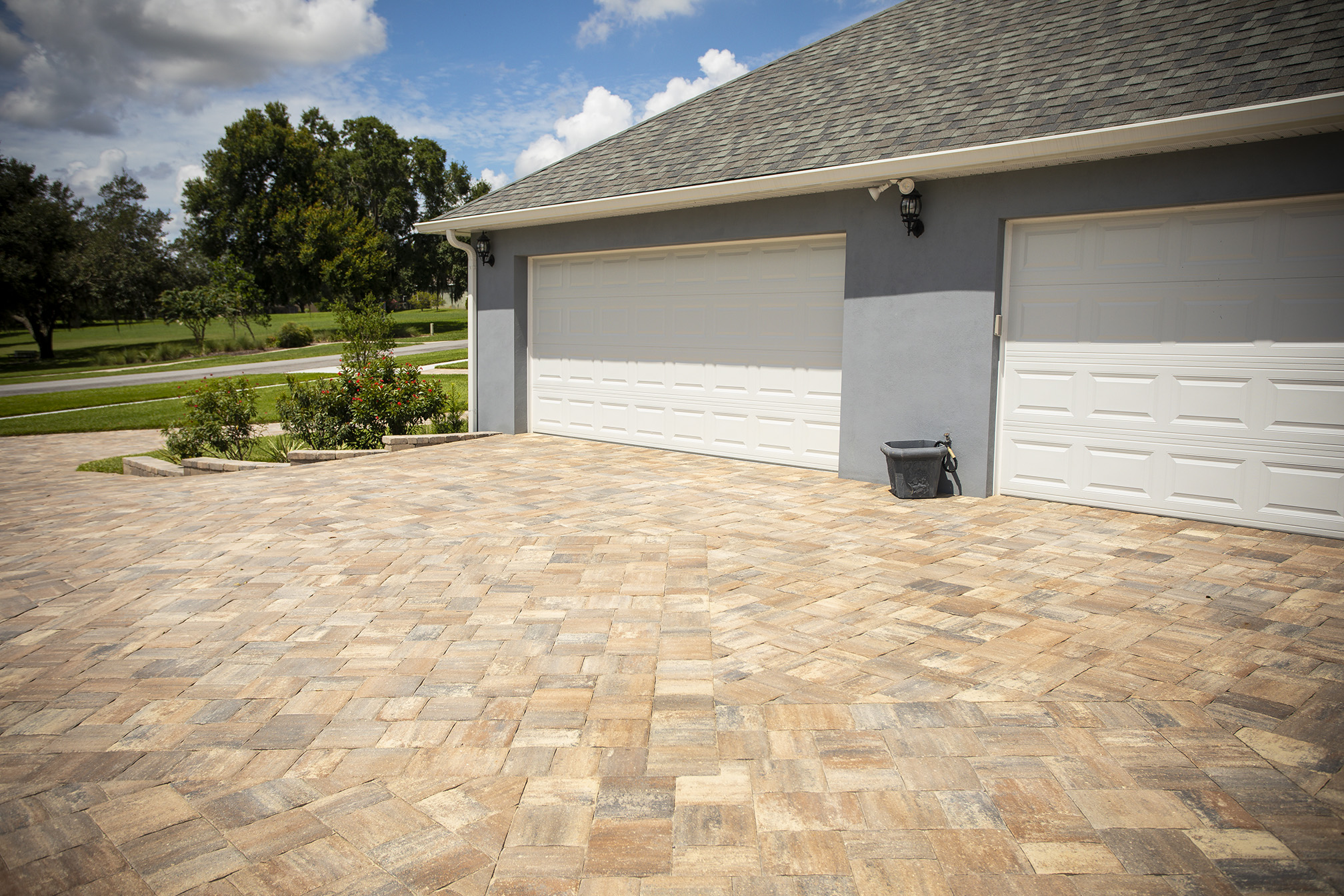 paver driveway and garage in Florida