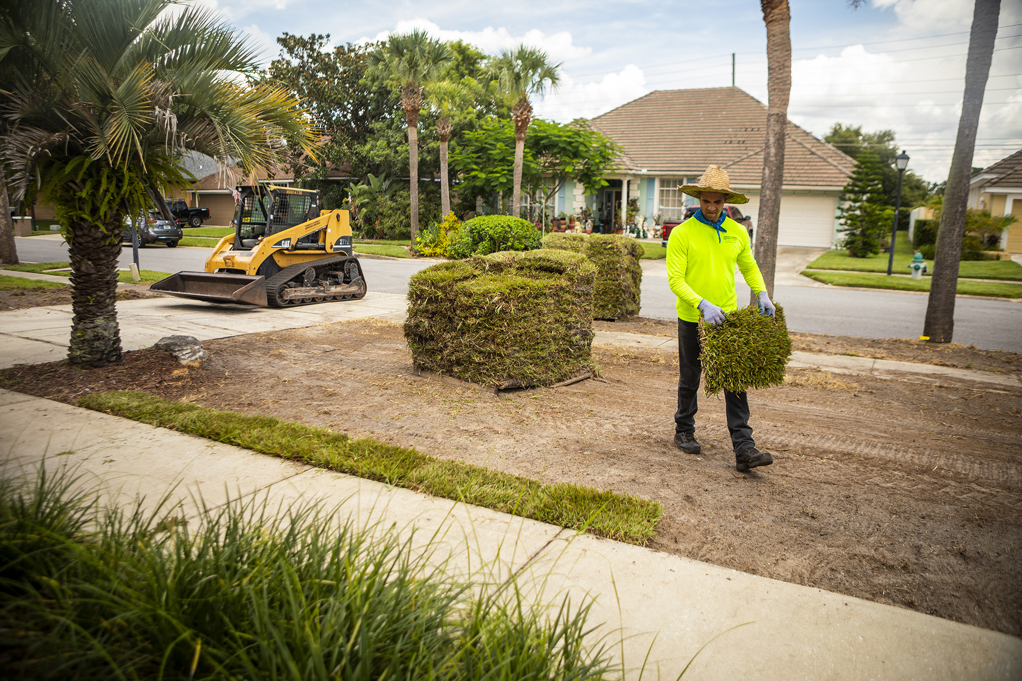 sod being delivered and installed at Orlando, FL home
