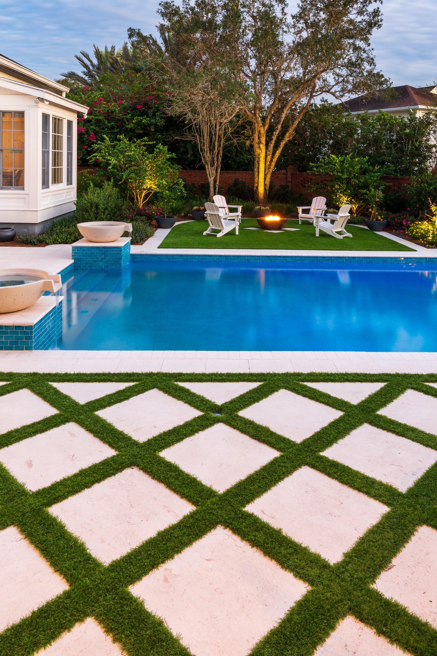 artificial grass around swimming pool in orlanda fl
