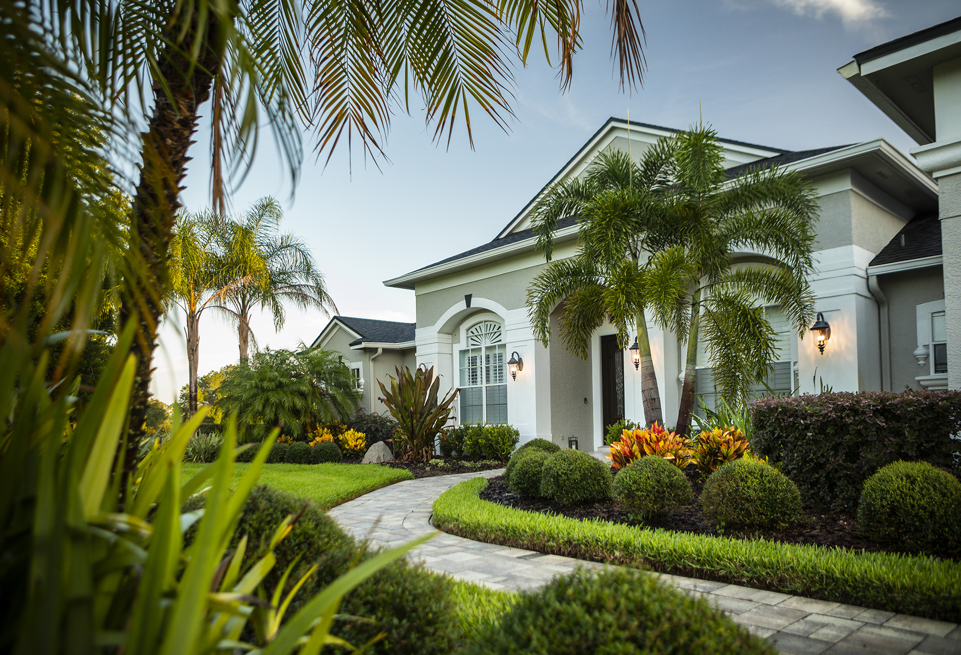 Florida landscape design front entrance